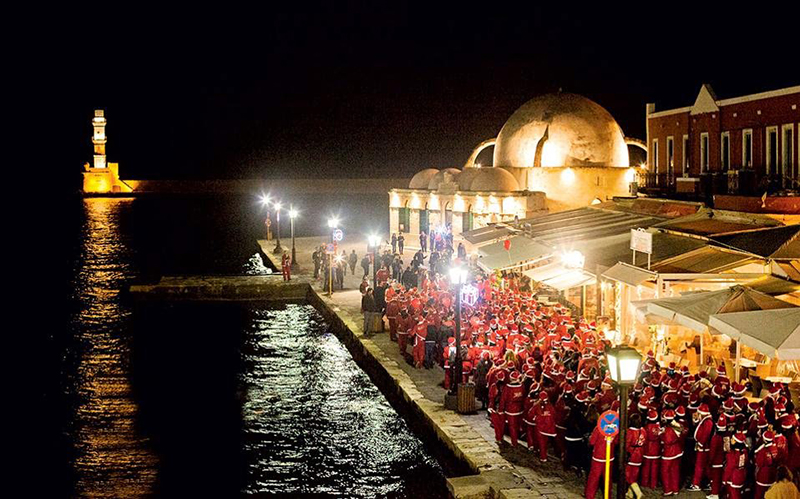 the-santa-run-ends-in-the-old-venetian-port-of-chania-2