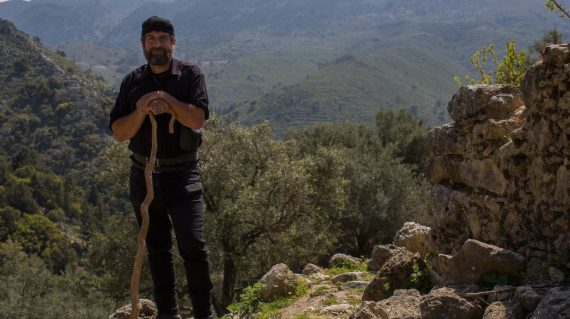 Tours-in-Crete-Meet-the-Locals