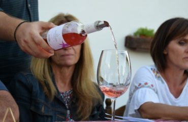 Wine tasting in Cretan varieties